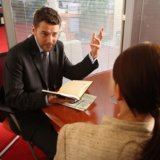 女性のお客様と仲良くなる・好かれる営業マンになるための4つの心得とは?